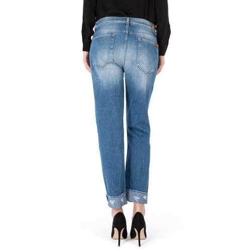 7 for all Mankind • The relaxed skinny girlfriend jeans